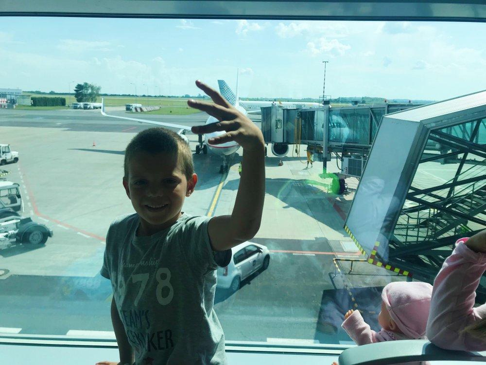 Letani s detmi v letadle