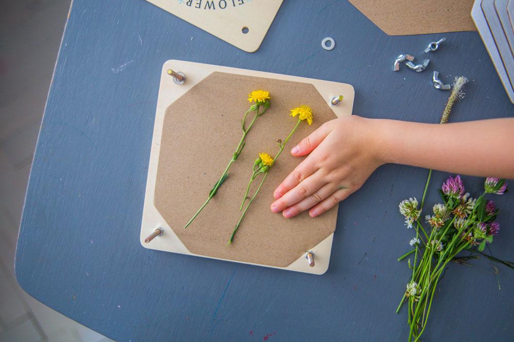 dreveny-lis-na-kvetiny-pro-deti